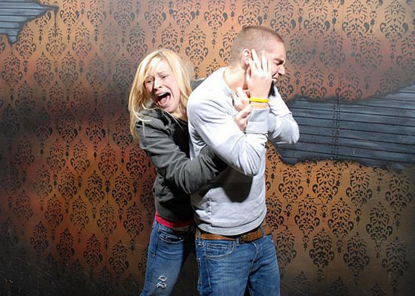 Nightmares Fear Factory, a Haunted House Tour in Niagara Falls, Ontario - funny, scary pics