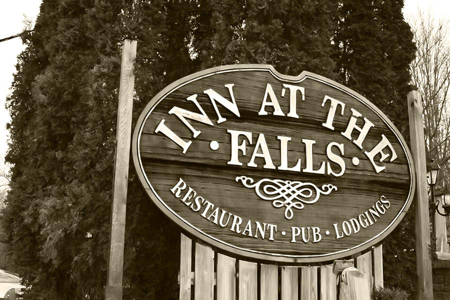 ParaNorthern.ca - Haunted Places in Muskoka - Inn at the Falls - Bracebridge, Ontario - Stories of paranormal encounters, ghosts, spirits, UFO's, Bigfoot - Submit your story